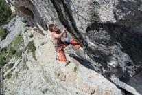 Ivan Lisica climbing his project, Prvomajski zajeb, at Markezina Greda, Klis
