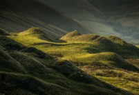 Evening light on Rushup Edge Derbyshire