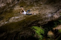 Lowie Lamberechts on Tractosaur, 8b, at l'Oasif, Gorges du Tarn