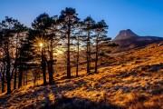 Stac Pollaidh at sunset<br>© Duncan Hodgson