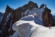 Monster cornices on the Rochefort Arete<br>© Hamish Frost