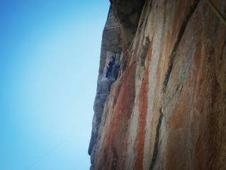 AC/DC - Medji - top of 4th pitch belaying under the threatening roof crux pitch
