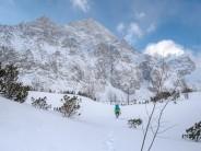 Tom breaks trail towards Kezmarsky Stit.