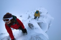 A wintry ascent of Y Gribin on the Glyderau
