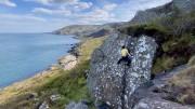Lickity Split 6A Shelter stone area. Murlough Bay<br>© Rob Hunter