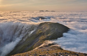 [An Teallach on the rising tide © Robert Durran]