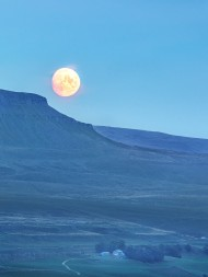Pen-y-ghent Moonrise, 225 kb